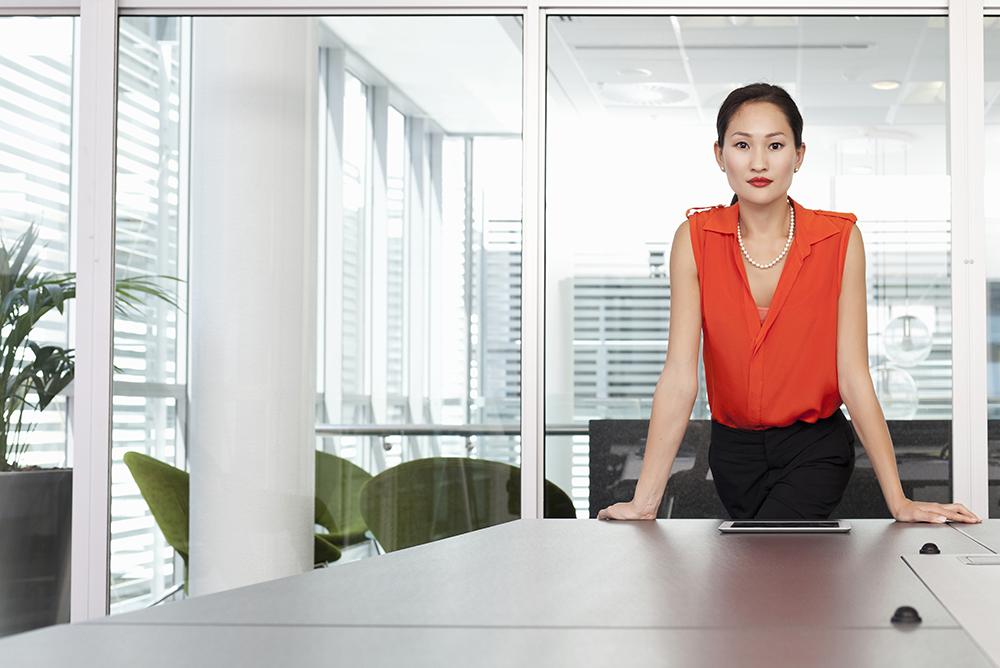 landing-page-women-desk